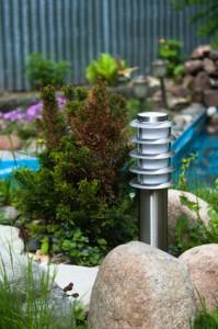 Ein schön angelegter Garten, dazu die richtigeBeleuchtung ist für viele sehr entspannend